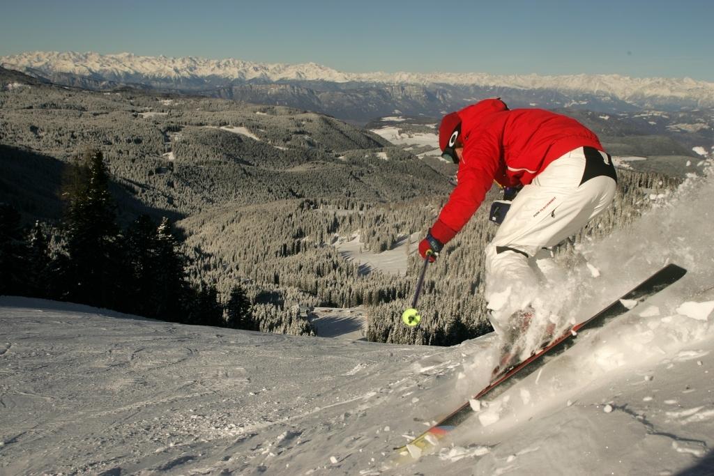 Skiing Obereggen