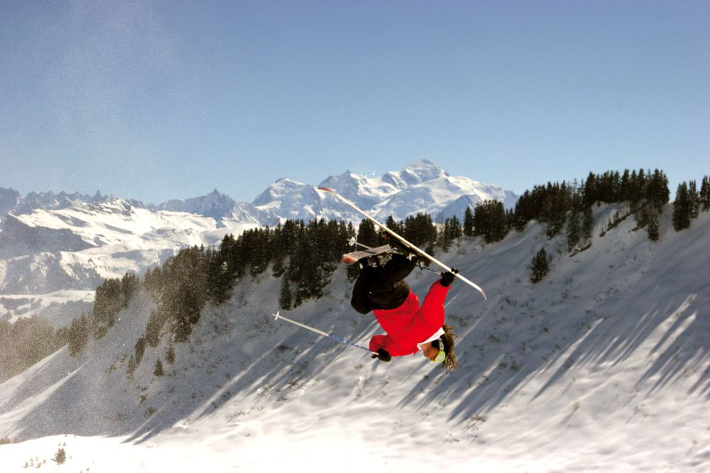 Freestyle in front of Mont-Blanc at Praz de Lys - Sommand