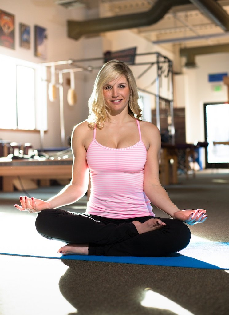 As a former ballet dancer, yoga, strength training and meditation are all part of Amies routine. We met up with Amie at High Fives Foundation, a Truckee based non-profit dedicated to helping athletes who have suffered life altering injuries. HighFivesFoundation.org