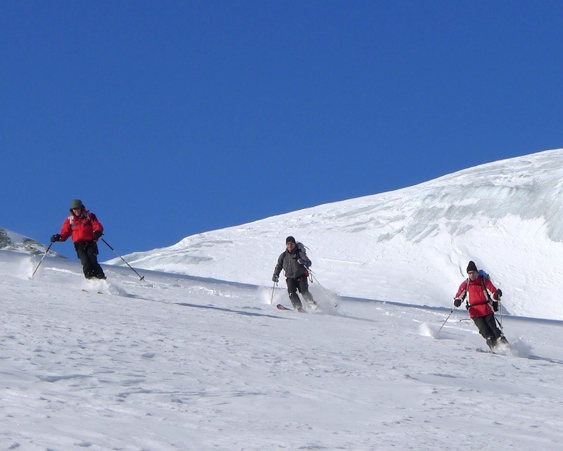 Freeskiing in Chamonix (Credit: bureau des guides Chamonix)