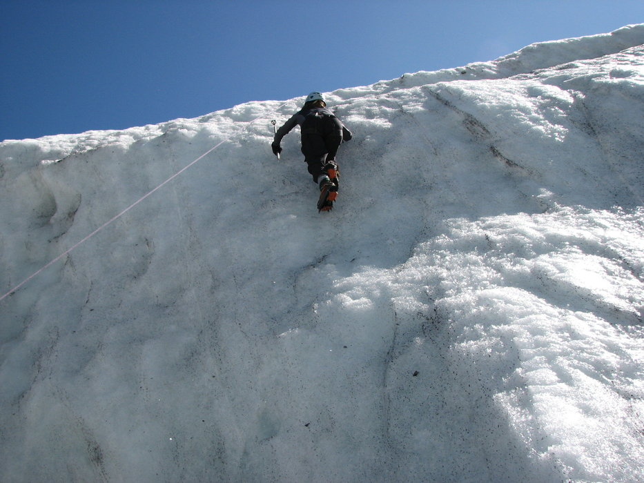 Try ice climbing in Lapland - ©SNappa2006
