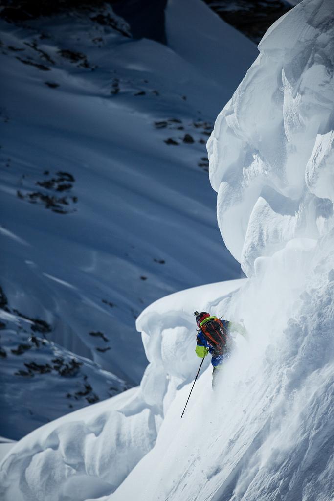 Kaj Zackrisson drops into a big line at the Skiers Cup. - ©D.Daher/swatchskierscup.com