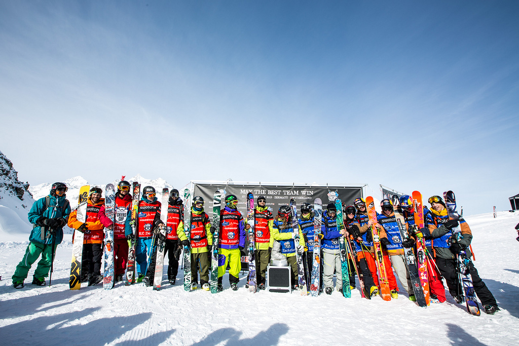The participants are all smiles at the Swatch Skiers Cup. - ©J.Bernard/swatchskierscup.com