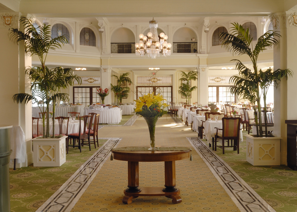Main Dining Room. Photo Courtesy of the Omni Mount Washington Resort.