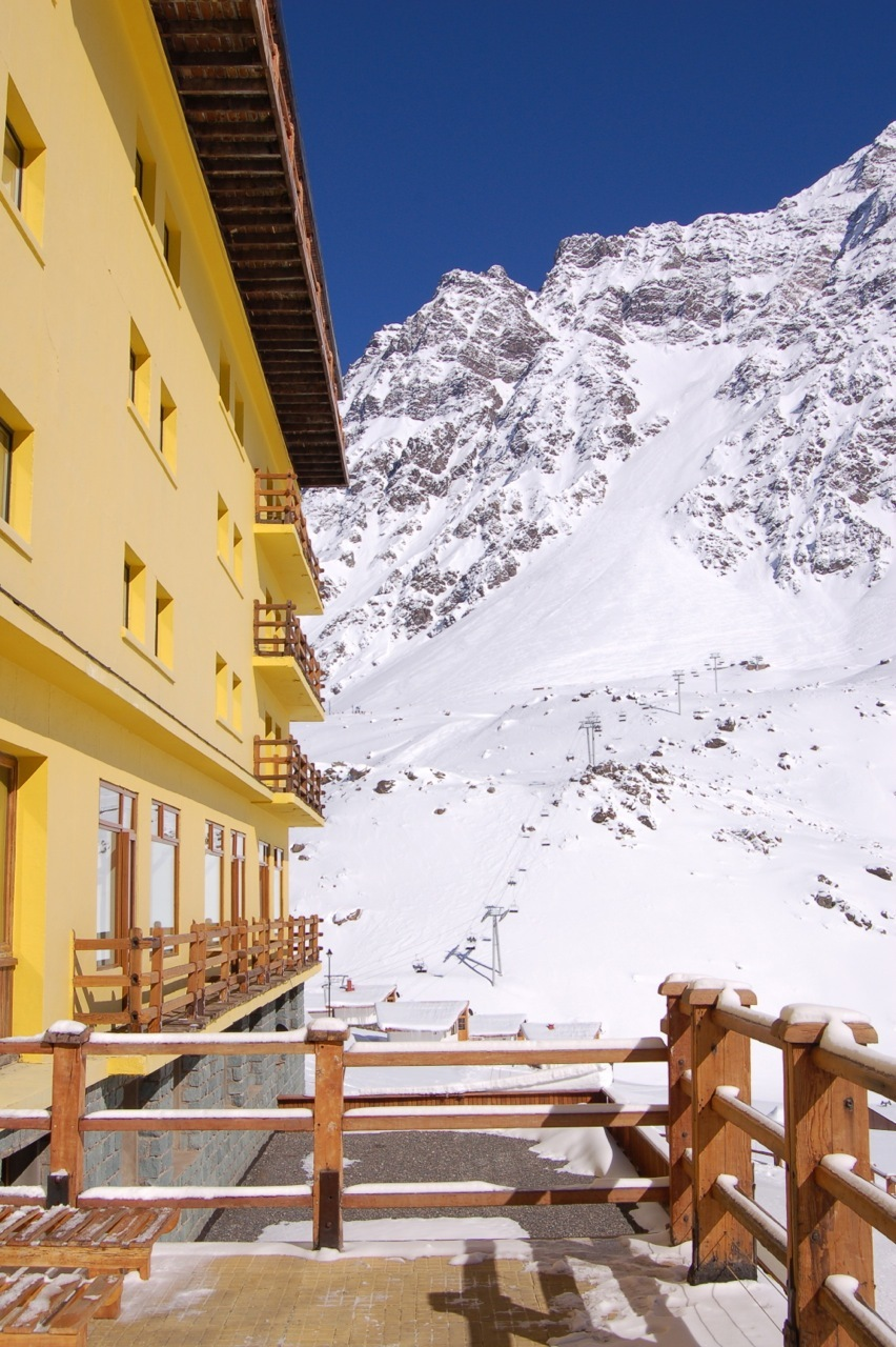 The Hotel Portillo with the Roca Jack run in the background.