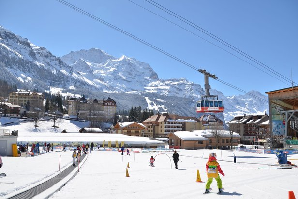 The nursery slope in Wengen and the Männlichen cable car - ©Mürren Lover