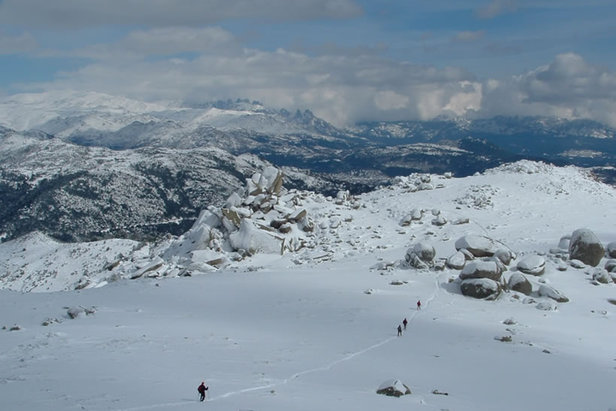 Cross-country skiing and snowshoeing in Corsica. Credit JP Quilici