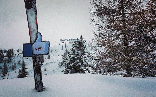 La neige a fait son retour sur Vars aujourd'hui...  - ©OT Vars