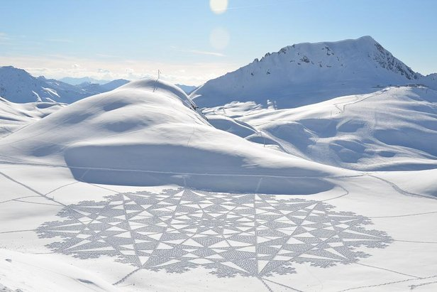 Simon Beck's Snow Art - I cerchi sulla neve - ©Simon Beck