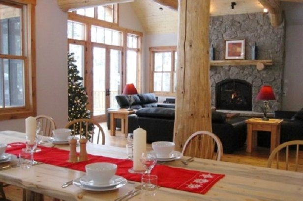 Eagle Lodge dining room, Breckenridge - ©Eagle Lodge