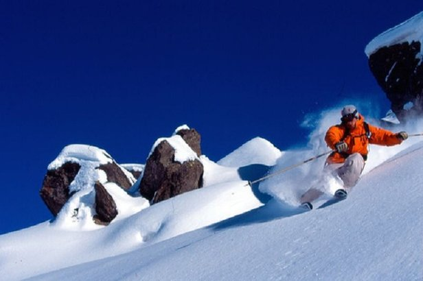 Skimming the icing: Off-piste skiing in Val Thorens - ©Val Thorens Tourism