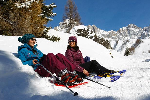 Snowshoeing in Val di Fassa, Dolomites - ©RBrunei/Val di Fassa