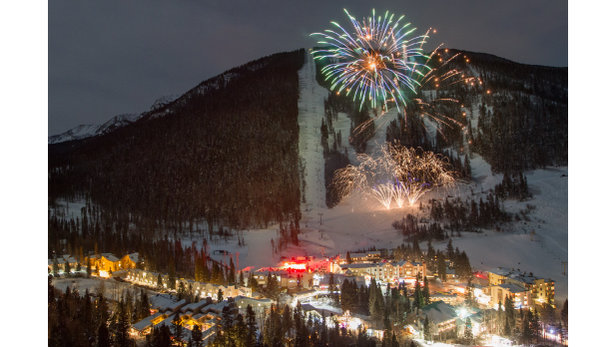 - ©Ring in the 2017 New Year in style with our torchlight parade and fireworks display. The night will kick off at 5.45pm with a laser light show. Then watch as skiers make their way down the mountain in the dark with flares as their only means of light. Don