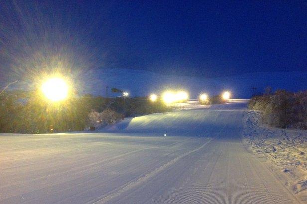 Det er gode forhold i bakkene på Oppdal. I fjellet er det godt med snø og gode muligheter for å finne pudder. - ©Oppdal Skisenter