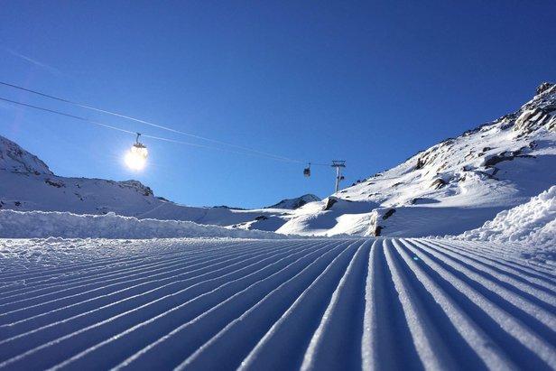 Vynikajúce snehové podmienky v Alpách lákajú lyžiarov na zimné radovánky - ©facebook Kaunertal Gletscher