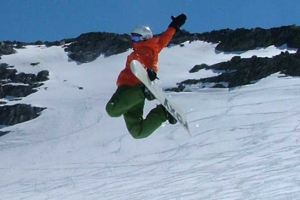 Stryn summer ski Girl camp 1 zoom - 677px