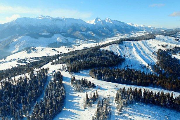 Snehové správy: Napriek odmäku je snehu stále dosť. A ďalší je na ceste! - ©Ski Bachledka / facebook