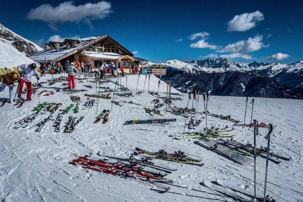 Schneebericht: Etwas Neuschnee im Alpenraum, Mix aus Sonne, Regen und Schnee in den nächsten Tagen - ©Scuola Sci Pampeago Facebook