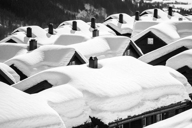 Snehové správy: Jar je tu, sneženie nezastavila - ©Sverre F Hjørnevik/Myrkdalen