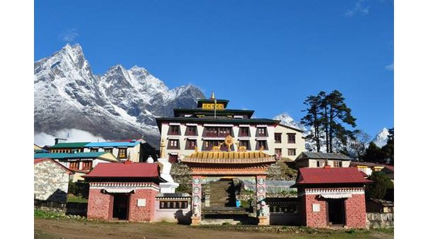 Kloster bei Kathmandu, in dem Ueli Steck die letzte Ehre erwiesen wurde - ©https://www.facebook.com/ueli.steck/