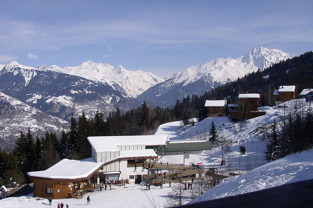 La Tania FRA Lodge and Station