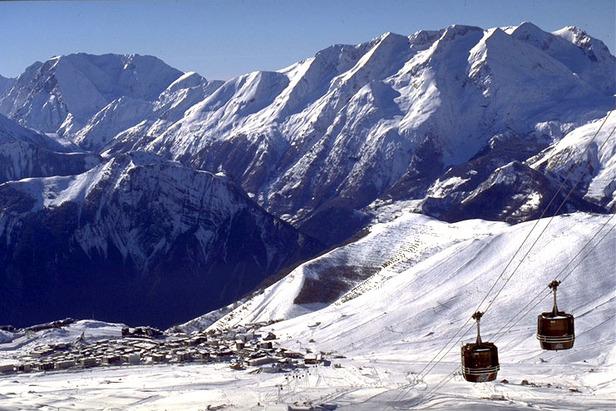 Alpe d'Huez gondola, FRA
