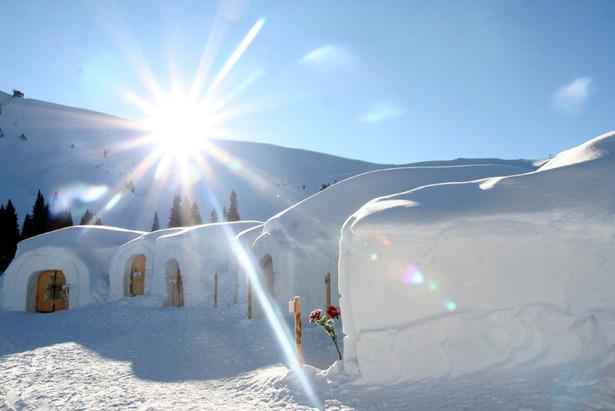 Høj sol over iglo landsbye - ©Skiwelt Wilder Kaiser  - Brixental