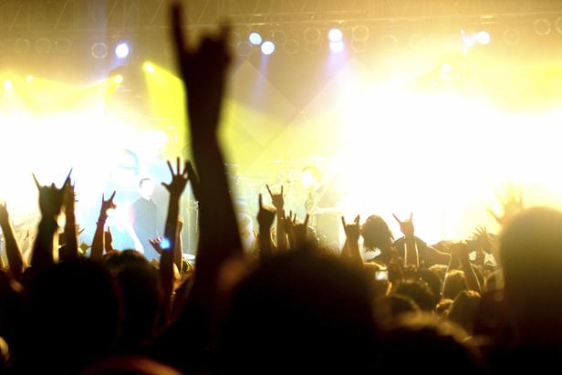 live-music-sundayriver