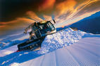 Pistenbully selbst fahren: Mit 490 PS über den Skihang  - ©Dolomiti Superski