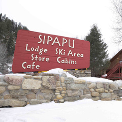 Sipapu Lodge sign
