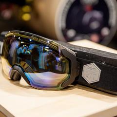 De gebruikte foam in de Bern-goggle is van 100% gerecycleerd materiaal. - ©Ashleigh Miller Photography