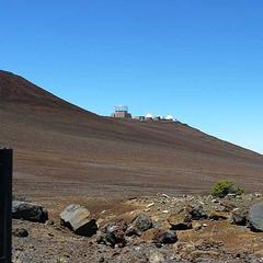 Die Höhe und die reine Luft machen die Inseln von Hawaii zum idealen Ort für Sternwarten - ©bergleben.de/Jaron Schächter