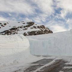 Lyžiarska sezóna na nórskom ľadovci Fonna začína v sobotu 8.4.2017, snehu je dostatok - 8 metrov!