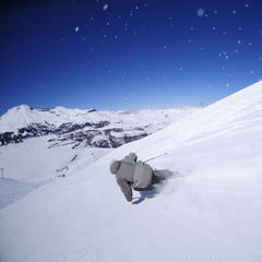 Downhill skiing in El Colorado, Chile