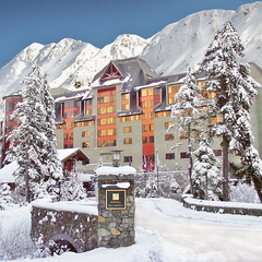 The Alyeska Hotel sits at the base of Alyeska Resort. Photo by Ken Graham Photography/courtesy of Alyeska Resort. 