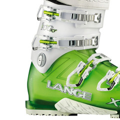 Ski Boot 101: How to Buckle Your Ski Boots - ©Lang Boots
