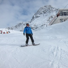 Snowboarding and chairlift, Ischgl.  - ©Hannes Walser
