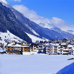 Pretty Ischgl in the Tyrolean Alps: Plenty of untracked powder - ©Ischgl Tourism