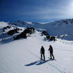 Les stations de Grandvalira et Vallnord offrent divers parcours spécialement conçus pour les amateurs de ski de randonnée.  - ©Andorra Tourisme