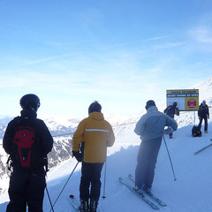 Skiers at Gers, Flaine.