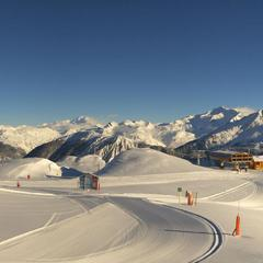 Neige et soleil sont au rendez-vous sur le domaine skiable de Courchevel (22 janv. 2013)