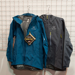 The Theta SVX is a severe weather condition jacket from Arc'teryx designed for wet, stormy days. It has a highly breathable GORE-TEX® Pro fabric as well as a helmet compatible StormHood™ with an extra long StormBrim™ designed to move with your head.