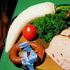 Een Beiers ontbijtje met Leberkäse - ©Breakfast in Bavaria with Leberkäse