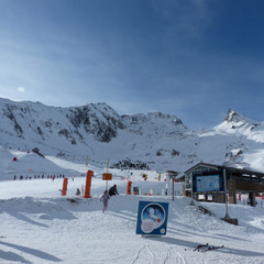 Skiing at Luz Ardiden