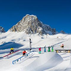 Tignes offre encore de très bonnes conditions d'enneigement notamment sur son snowpark - ©© andyparant.com