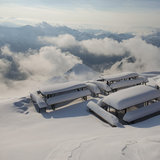 Srpnový sníh v Alpách (25.–26.8.) - © Facebook Gamskarkogelhütte