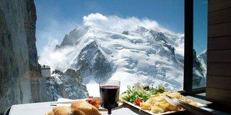 Peak cuisine: Five of the best lunchtime views ©Chamonix Tourism