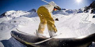 Le freestyle gagne du terrain à Baqueira Beret avec le snowpark Era Marmòta ©Klim N. - Fotolia.com