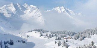 Alpenwetter: Der Frühling kommt nur sehr langsam in Fahrt, es bleibt oft winterlich! ©Facebook Warth-Schröcken