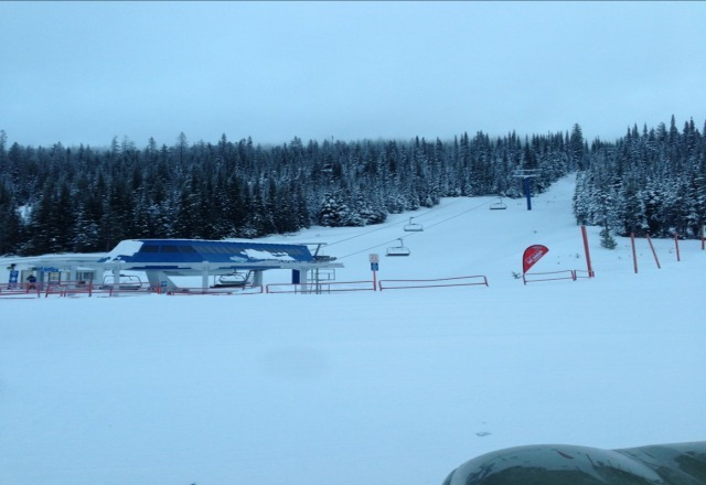 8:10 on Jan 1, 2013. the usual terrible Big White conditions, couldn't see past the first Gem lift post. Big White-out, went home.